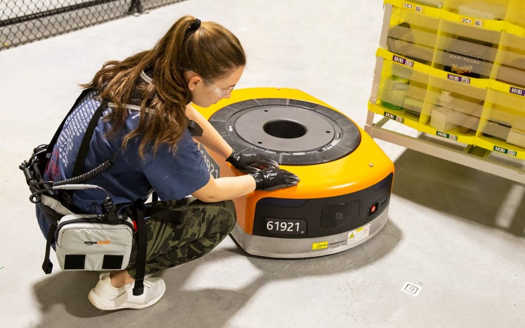 Robots and humans, the perfect duo to streamline supply chains?
